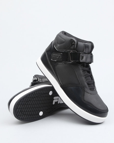 the displace hightop sneaker