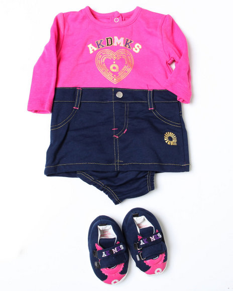 - 3pc Outfit and Shoe Set (NB)