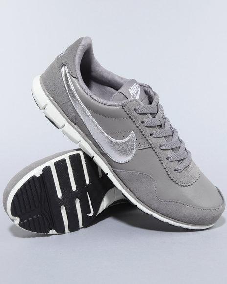 Nike Women Charcoal Wmns Nike Victoria Nm Lth Sneakers