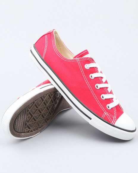 chuck taylor all star dainty sneakers