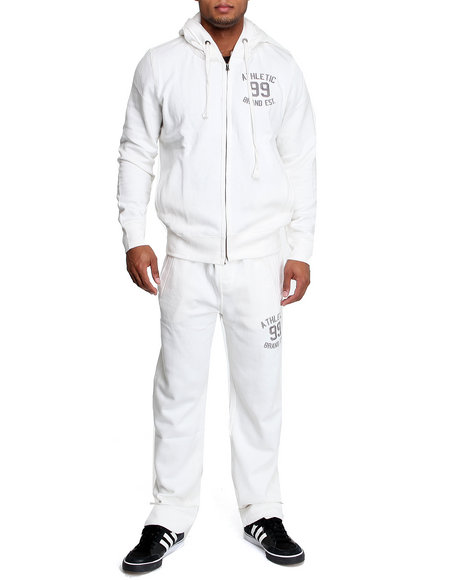 Akademiks Men Off White First String Vintage Fleece Set