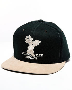 Mitchell & Ness - Milwaukee Bucks NBA Suede Strap Adjustable cap