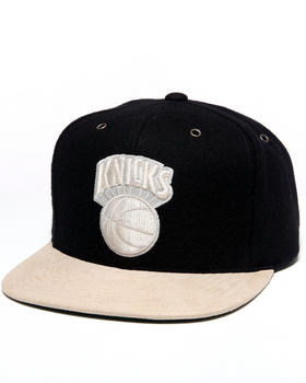 Mitchell & Ness - New York Knicks NBA Suede Strap Adjustable cap