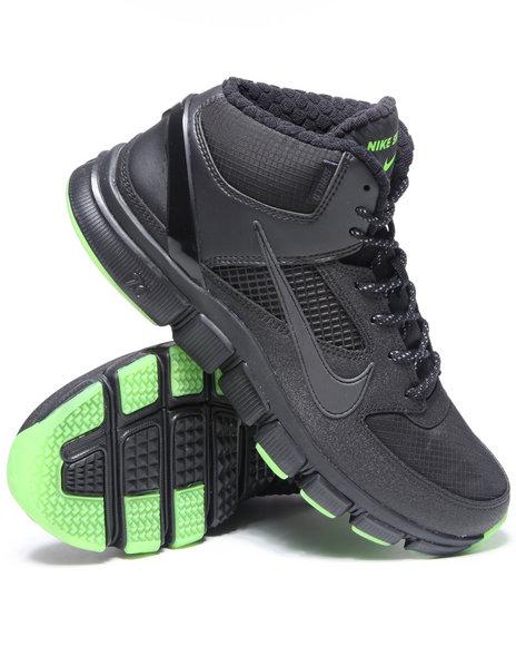 Nike Men Black Nike Free Trainer 7.0 Shield Sneakers