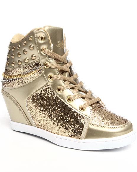 Apple Bottoms Women Gold Kadenza Glitter, Chain, Studs, Wedge Sneaker