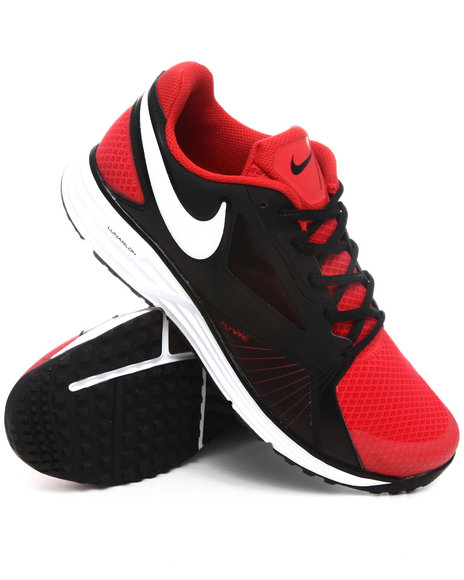 Nike Men Red Nike Lunar Edge 15 Sneakers