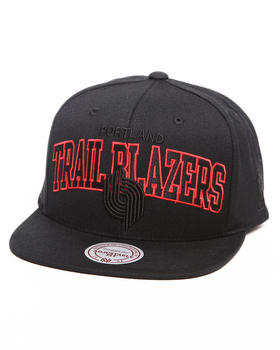 Mitchell & Ness - Portland Trailblazers NBA Blacked Out Arch 2 Logo Snapback Hat