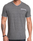 MO7 - S/S Trim detail V-neck tee