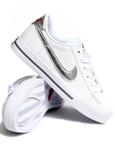 Nike Women White Wmns Sweet Classic Leather Sneakers