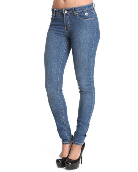 Apple Bottoms Women Light Wash Stud Trim Pocket Skinny Jean
