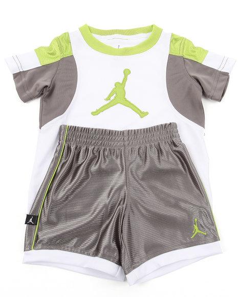 Air Jordan Boys Grey Post Up Shorts Set (4-7)