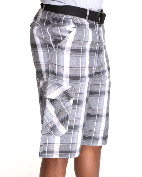 Basic Essentials Men Black Cargo Plaid Shorts With Belt
