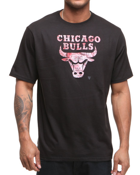 Adidas Men Black Chicago Bulls Shoe Pile 1 Tee