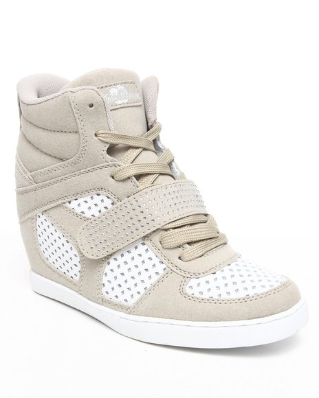 Apple Bottoms Women Tan Brayden Wedge Perforated Sneaker