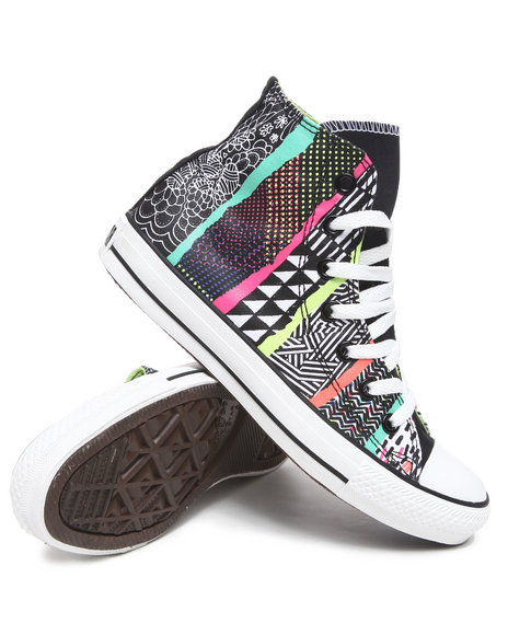 Converse Women Multi Hyperculture Print Chuck Taylor All Star Sneakers