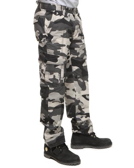 Akademiks Men Black,Camo Striker Military Black Camo Cargo Pants