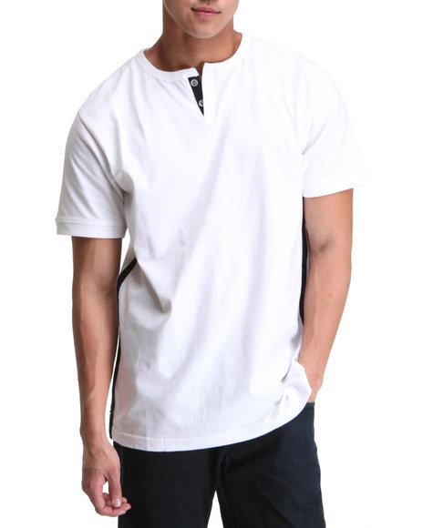 A Tiziano Men White Thompson Y-Neck T-Shirt