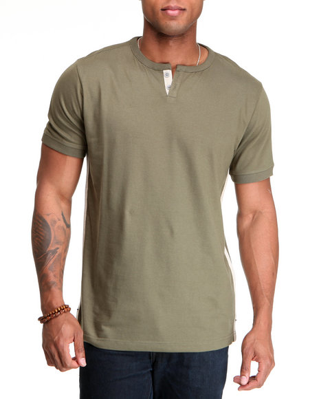 A Tiziano Men Olive Thompson Y-Neck T-Shirt