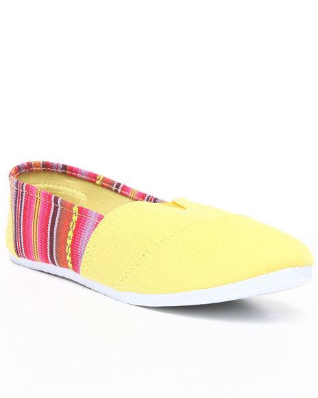 Apple Bottoms Women Yellow Percy Aztec Trim Casual Sneaker