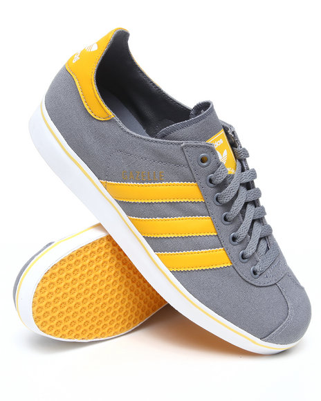 Adidas Men Grey Gazelle Rst Sneakers