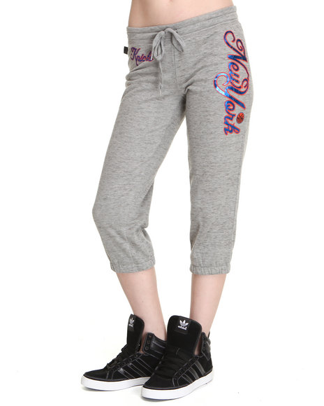 Nba Mlb Nfl Gear - Women Grey Ny Knicks Hot Shot Capri