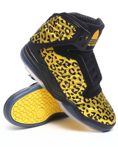 Adidas Men Yellow Adidas Ts Lite Amr Trophy Hunter Sneakers