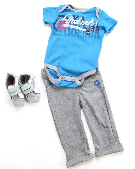 Akademiks Boys Blue 3 Pc Set - Bodysuit, Pant & Sneaker (Newborn)