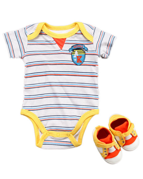 Akademiks Boys Multi,Orange,Yellow 2 Pc Set - Bodysuit & Sneaker (Newborn)