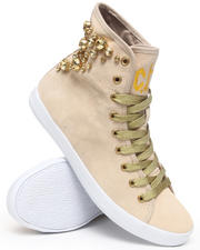 Cute To The Core - Pump Stone Sneaker w/2 laces stones