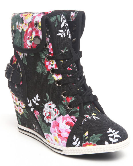 Fashion Lab - Women Black Blue Bell Floral Sneaker