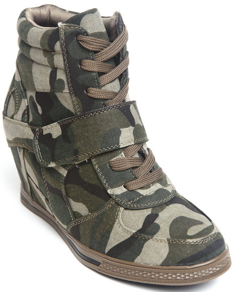 Fashion Lab - Women Camo Sneaker Wedge Bootie