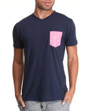 The Sale Shop- Men - Solid V-neck tee w/ Chambray Cross bone print pocket detail