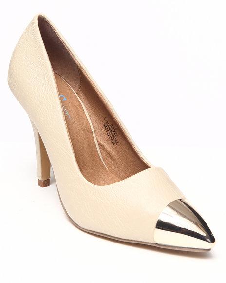 Fashion Lab - Women Ivory Amy Pump W/Toe Detail