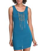 sleeveless tunic dress with necklace