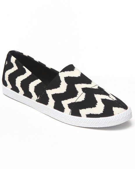 DIRTY LAUNDRY Black,White Chevron Colorblock Stretch Sneaker