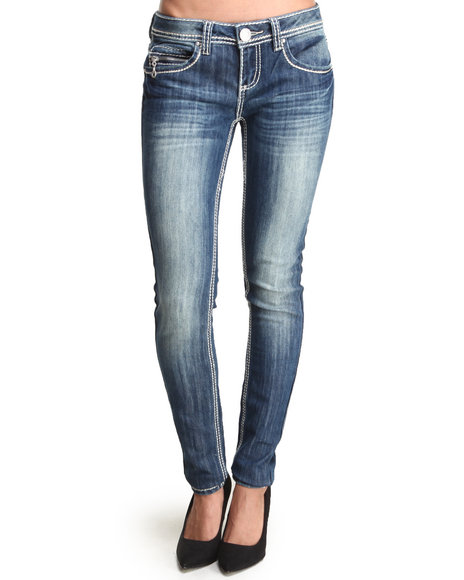Almost Famous - Women Dark Wash Zip Trim Heavy Saddlestitch Distructed Skinny Jean - $21.99