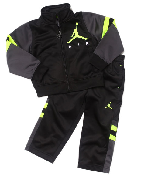 Air Jordan Boys Black 2 Pc Classic Varsity Set (2T-4T)