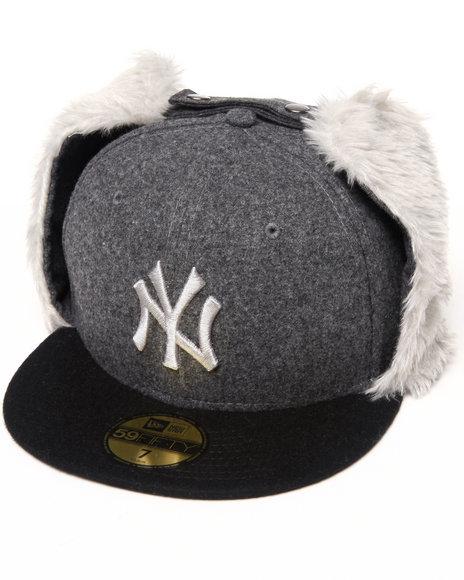 New Era - Men Black New York Yankees Melton Dog Ear Hat