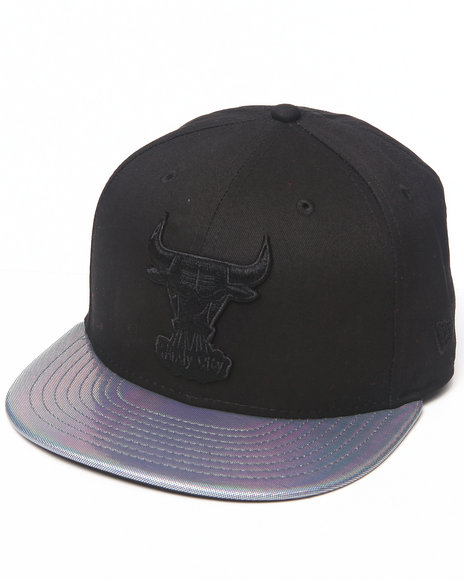 New Era Black Chicago Bulls Holo Strapback Hat