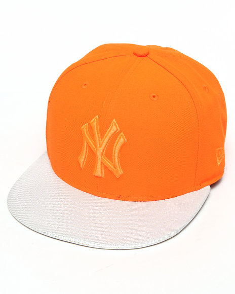 New Era New York Yankees Holo Strapback Hat Orange Medium/Large