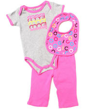 Girls - 3 PC BOX SET - BIB, BODYSUIT, & PANTS (NEWBORN)