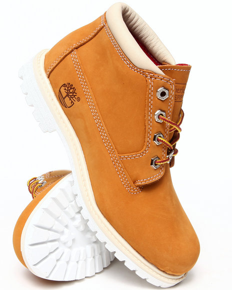 Timberland - Women Wheat Women's Waterproof Nellie Chukka Boots