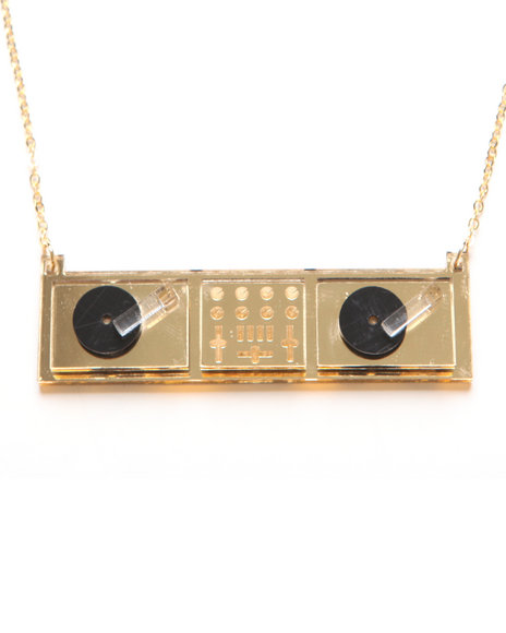 Plastique Gold Necklaces