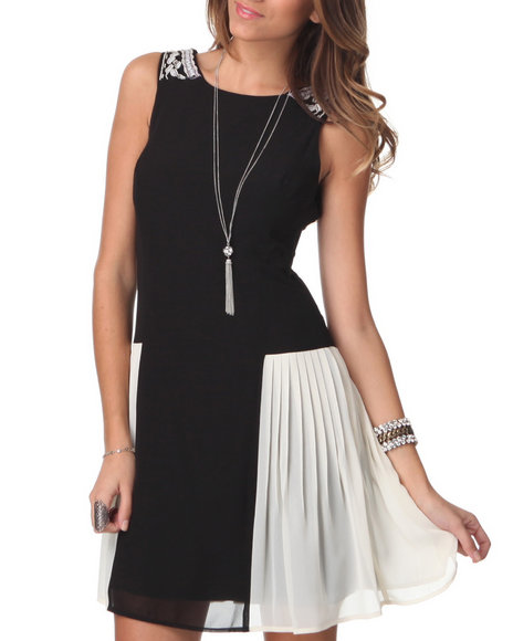 Djp Outlet - Women Black Sleeveless Pleated Side Inserts Dress