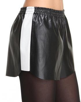 STYLESTALKER - Chillin Shorts