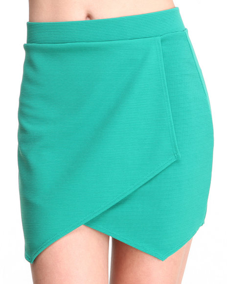 Basic Essentials - Women Green Dani Sporty Skirt - $7.99