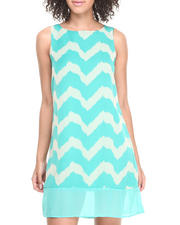 Women - Sleeveless Chevron Print Dress