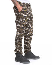 Men - Tiger Camo Printed Cargo Pants
