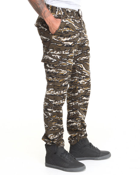 Waimea - Men Olive Tiger Camo Printed Cargo Pants