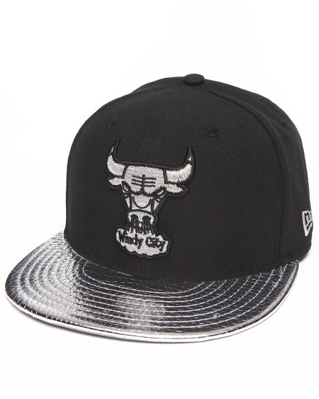New Era - Men Black Chicago Bulls Hardwood Classics  Metallic Slither 5950 Fitted Hat - $29.99